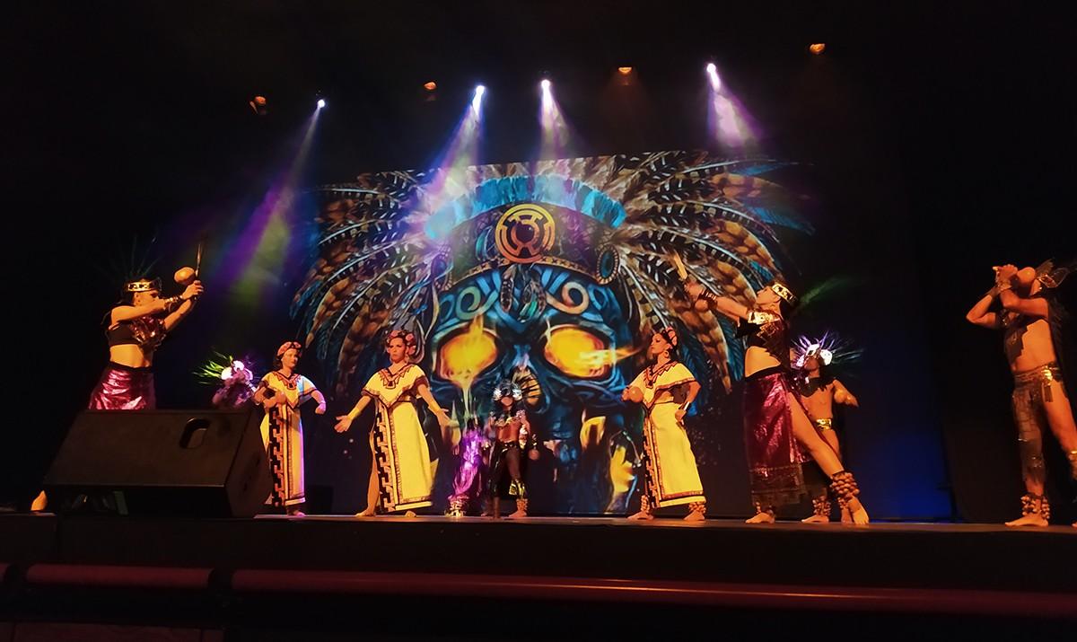 Un instant de l'actuació al Teatre Tarragona.