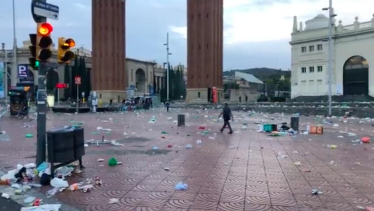 Situació de Plaça Espanya després del macrobotellot