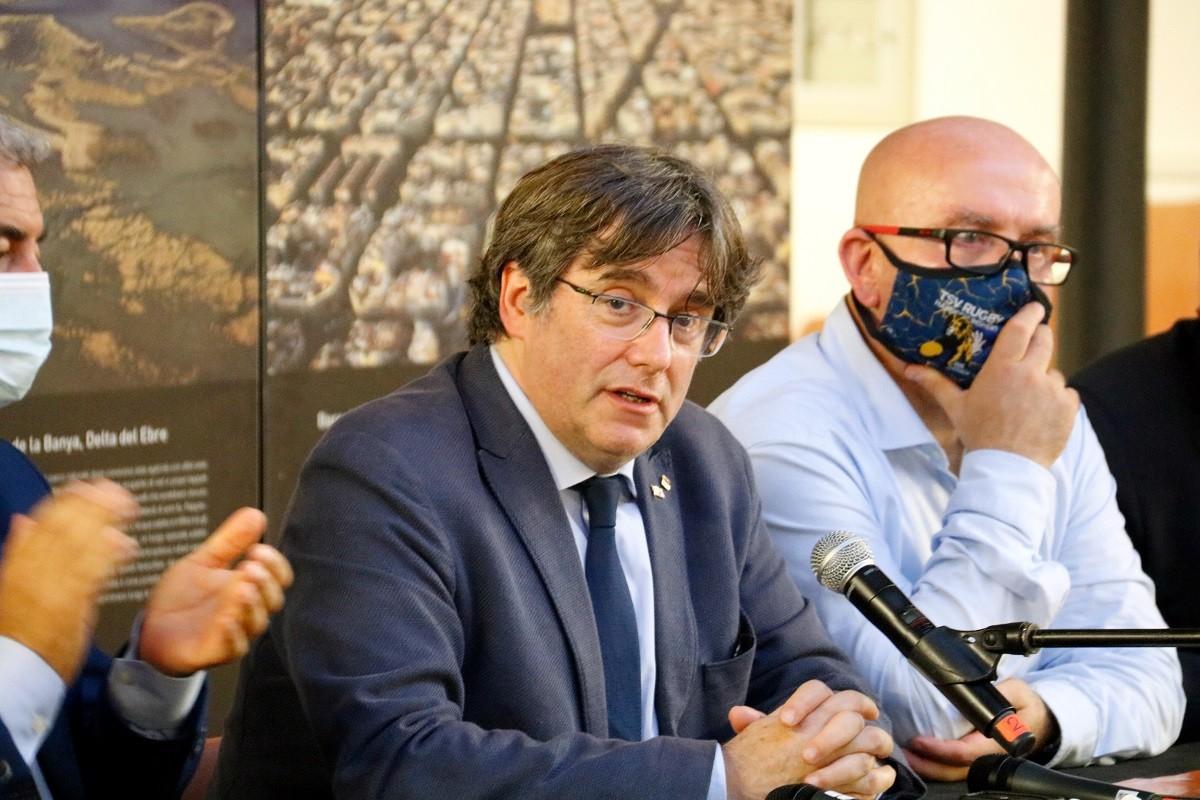 Puigdemont, durant la roda de premsa a l'Alguer