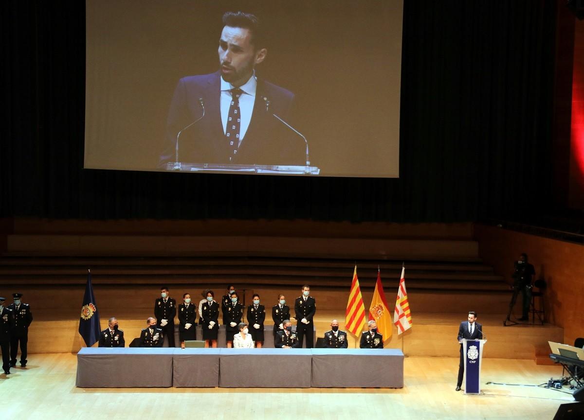 El secretari d'estat de Seguretat, Rafael Pérez Ruiz, durant l'entrega de condecoracions de la Policia Nacional a Barcelona