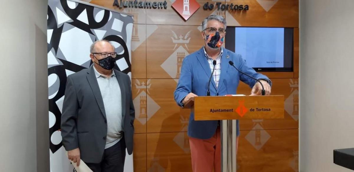 Roda de premsa a l'Ajuntament de Tortosa on Enric Roig, regidor de cultura ha presentat la jornada anual de l'IEC a Tortosa