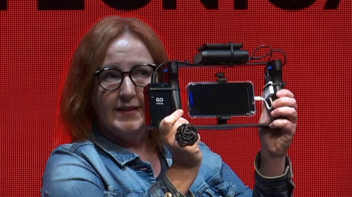 Un dispositiu per gravar i emetre imatges en directe.
