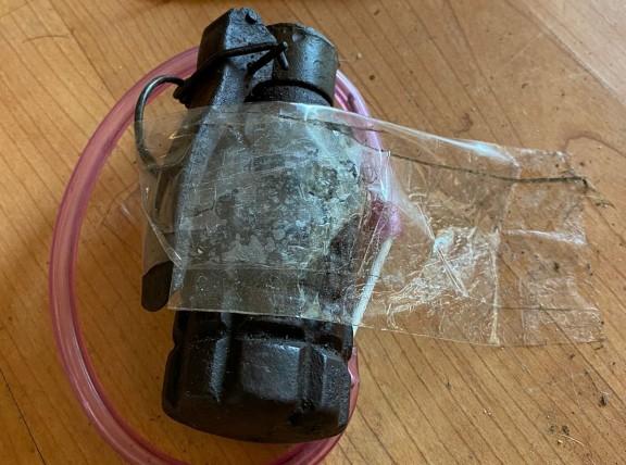 Dos detinguts per col·locar una granada en una casa quan anava a ser desnonada pels Mossos