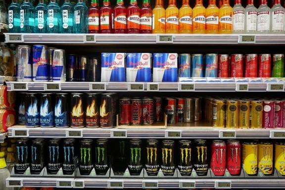 Els riscos de les begudes energètiques: de l'ansietat a l'arrítmia
