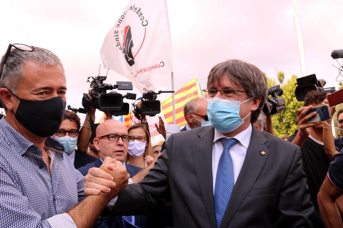 Carles Puigdemont, a la sortida del tribunal de Sàsser.