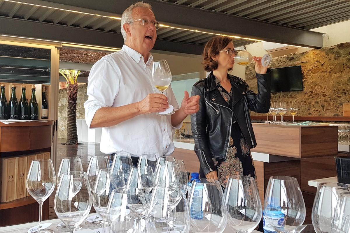 Josep Maria i Mireia Pujol-Busquets en el tast vertical de l'Alta Alella 10