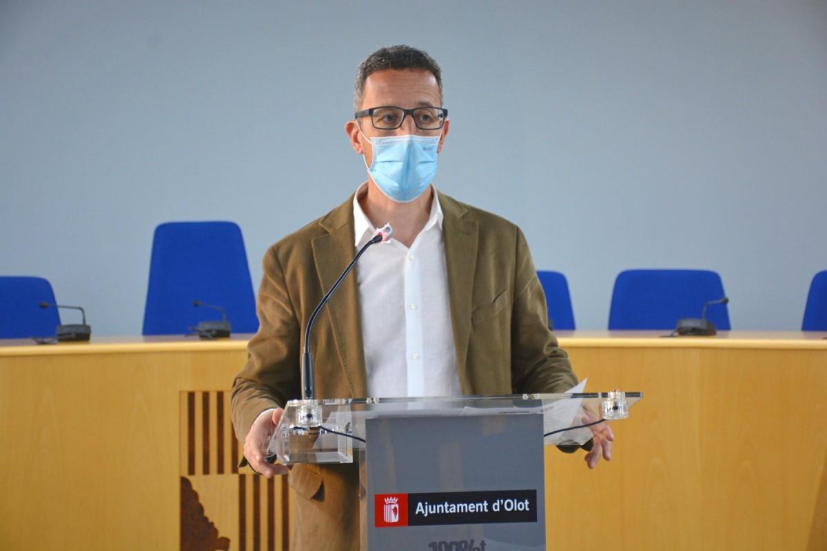 El regidor Estanis Vayreda ha donat detall de les dades d'atur a Olot.