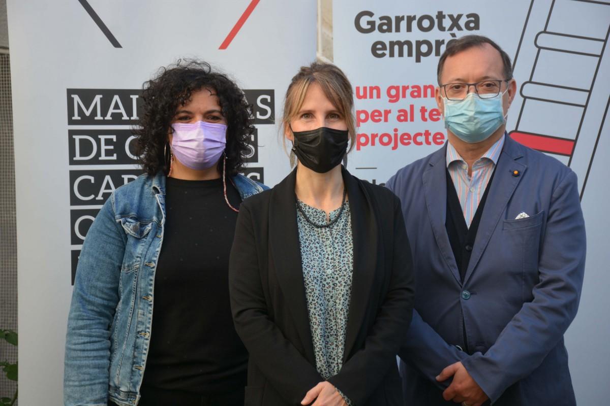 Pili Riol, Gemma Canalias i Josep Ros han presentat el Garrotxa Emprèn des de Ca Nyera.