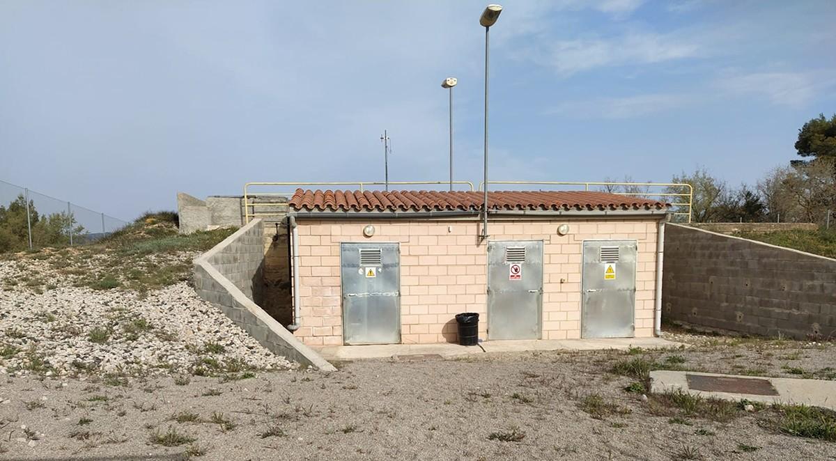 Els dipòsits municipals d'aigua de l'Espluga de Francolí, a la Conca de Barberà.