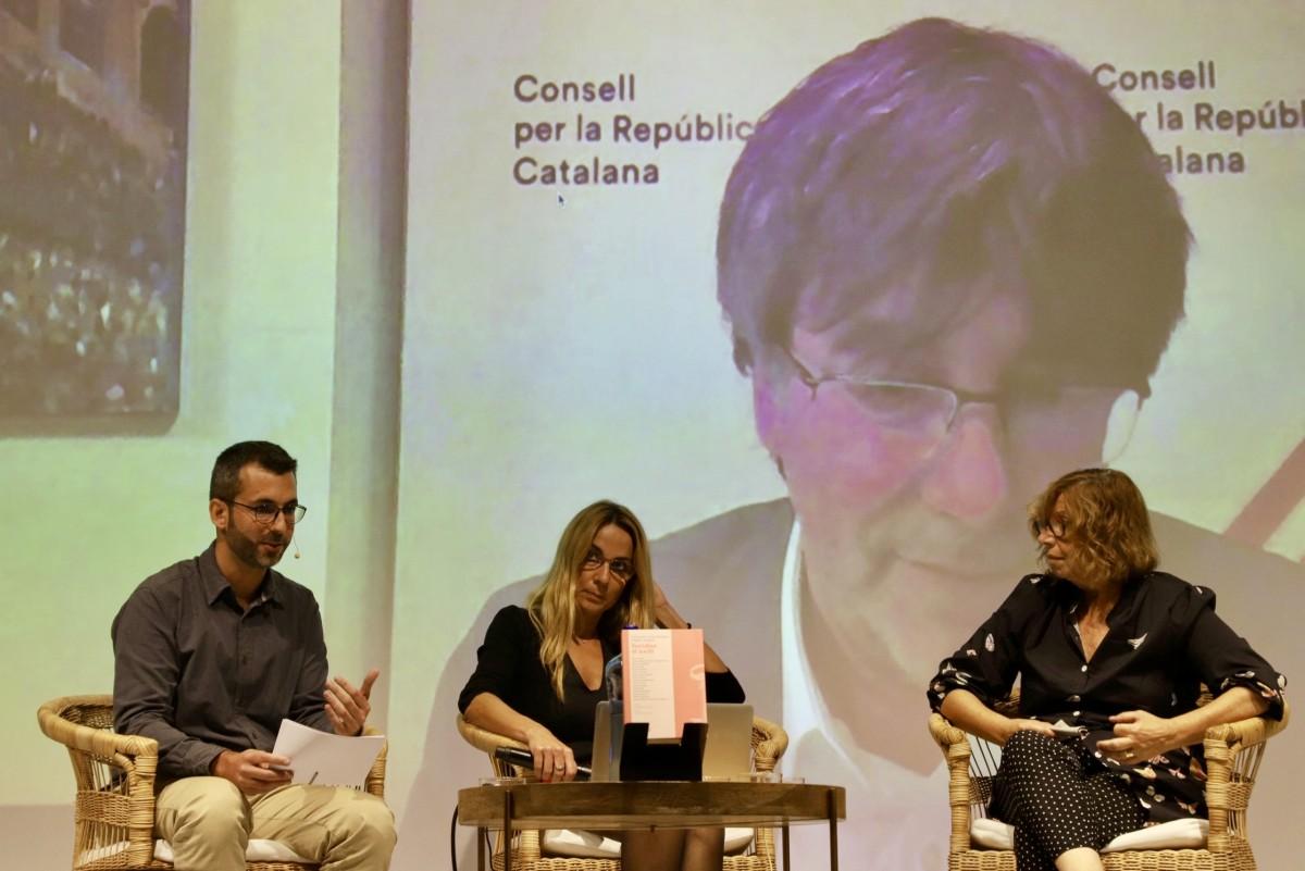 Carles Puigdemont en la presentació del llibre ''Ferides d'exili'' (Pagès Editors)