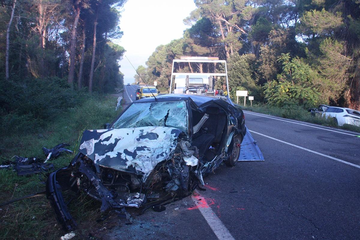 L'estat en què ha quedat un dels vehicles implicats.
