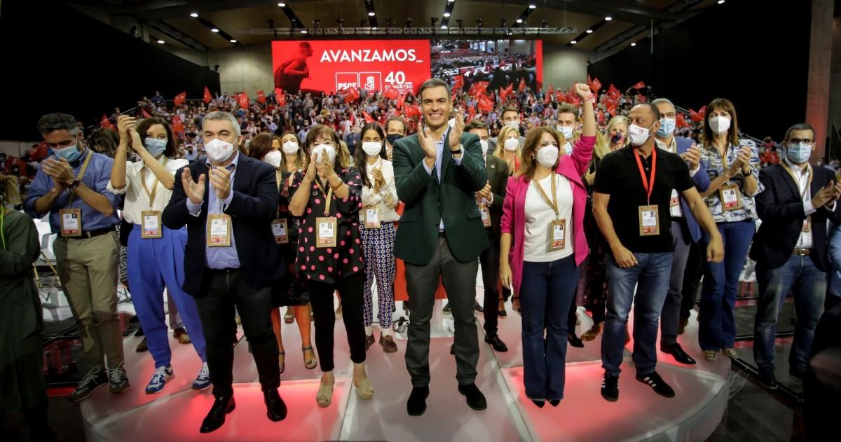 Pedro Sánchez, amb la nova direcció del PSOE