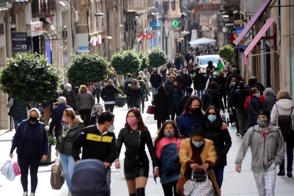 Veïns al carrer de Llovera de Reus