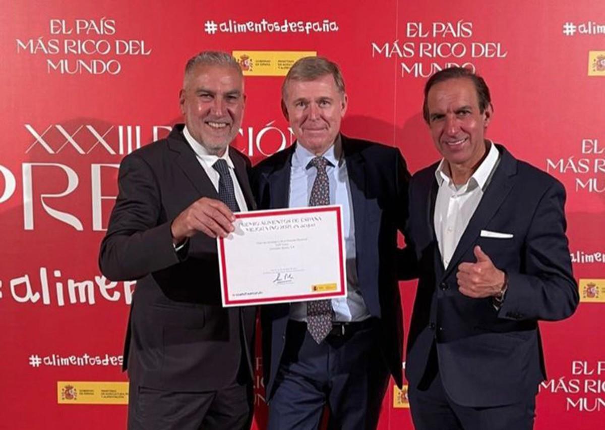 Damià Deàs, Jorge A. Grosso i Rafael Sandoval a l'entrega dels premis