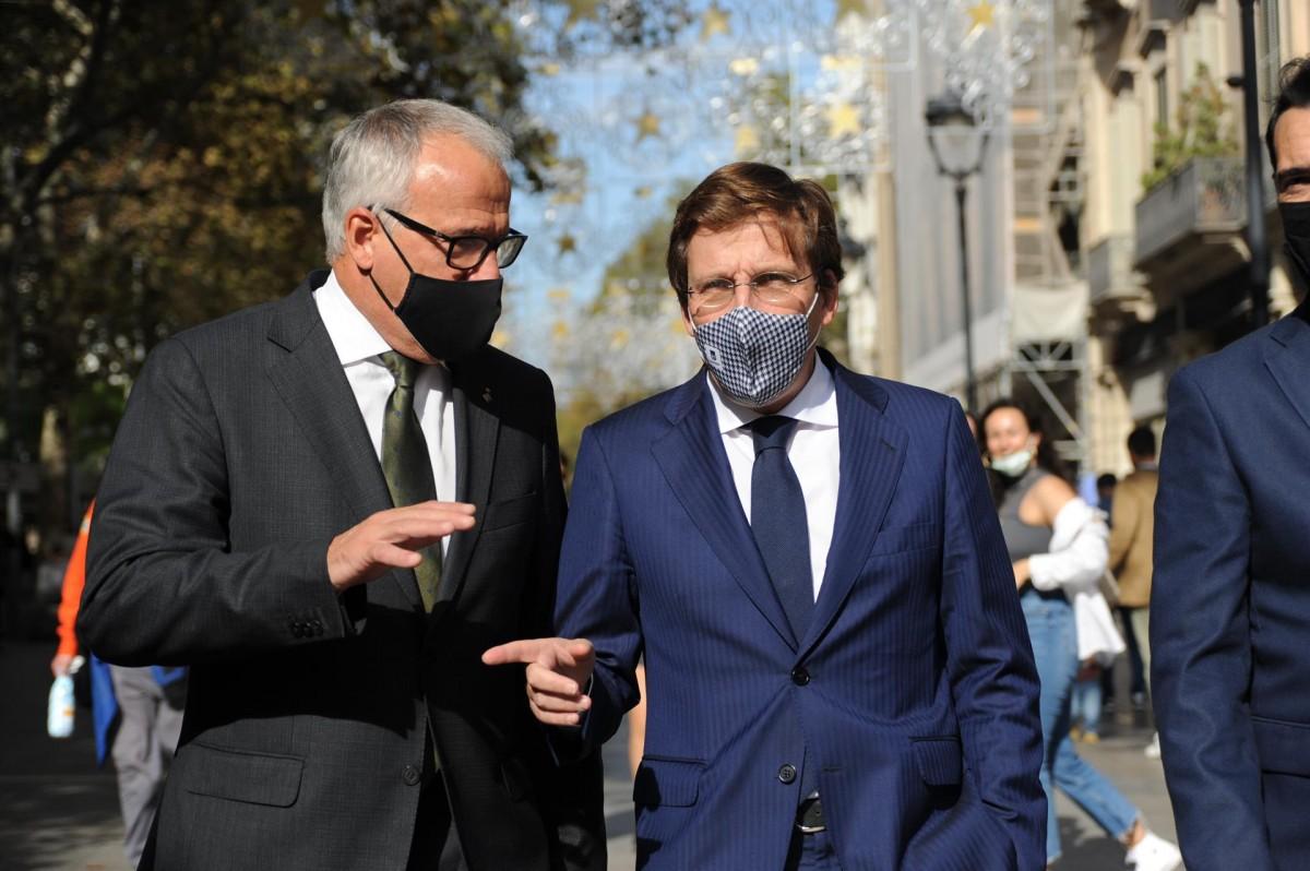 José Luis Martínez-Almeida amb Josep Bou aquest dimecres a Barcelona.
