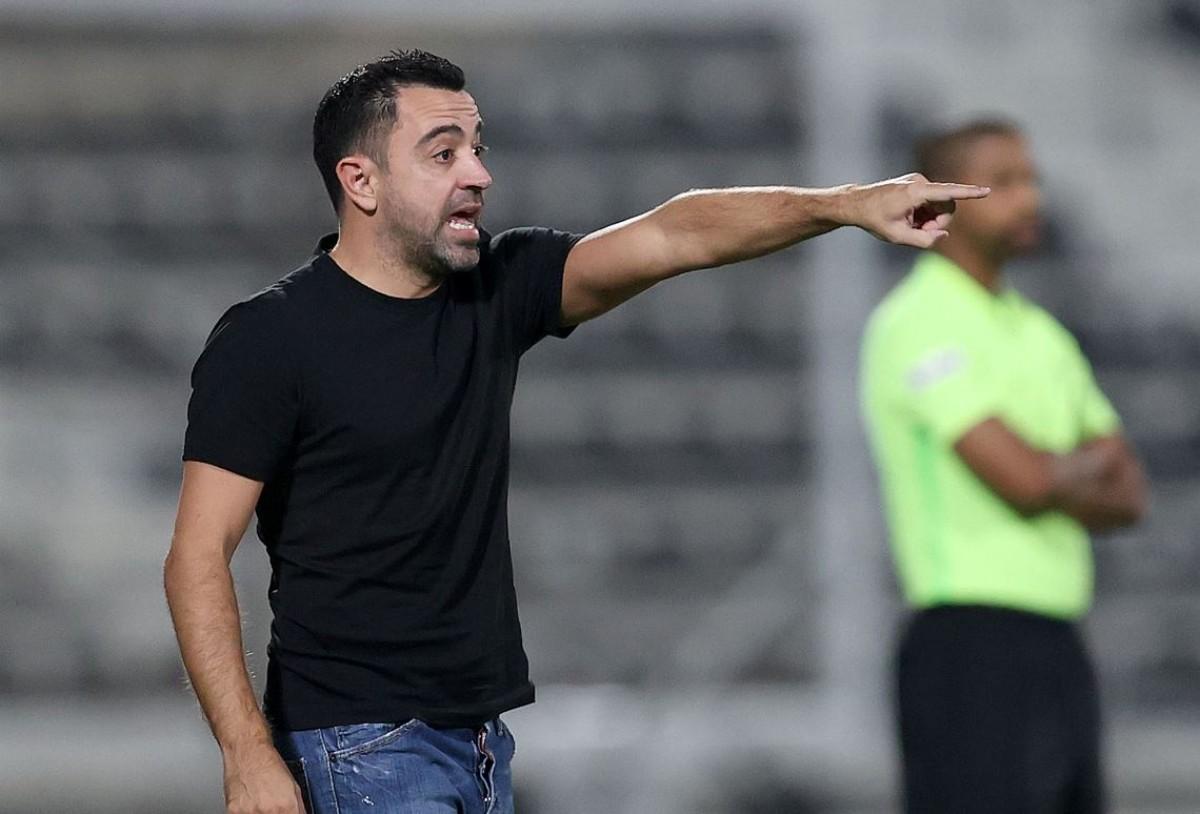Xavi Hernández, dirigint el seu equip