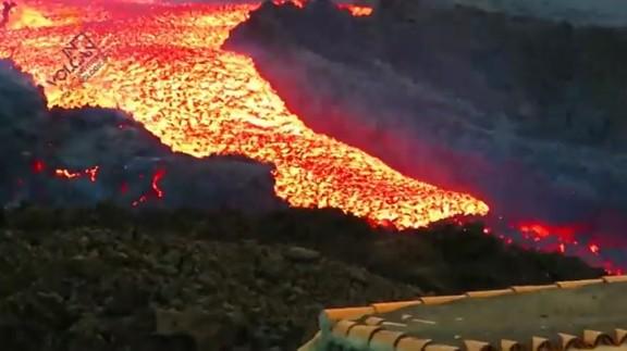 «Tsunami» de lava a La Palma