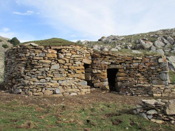 Micromecenes per restaurar les cabanes de pastors del pla d ...