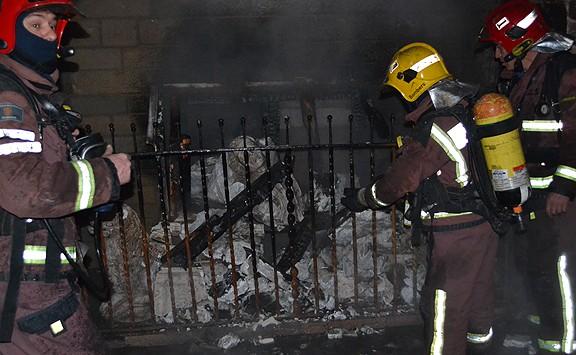 Ciris a Santa Llúcia causen un incendi a la Seu de Manresa