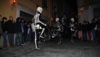 Vés a: La Dansa de la Mort, a la televisió pública neerlandesa VPRO