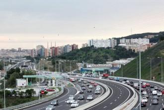 Trànsit xifra en 400.000 els cotxes que sortiran demà de l'àrea metropolitana