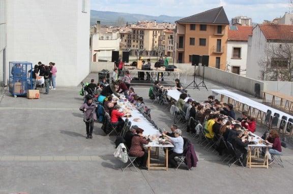 La Calçotada Popular de Solsona reuneix unes 50 persones