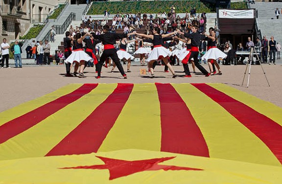 Ballada de sardanes independentistes per promoure la V
