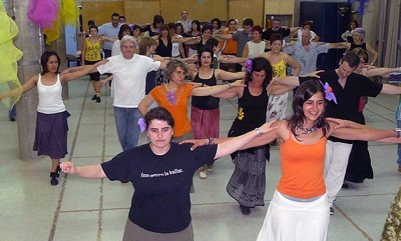Passaltpas celebra vint anys ballant a Granollers