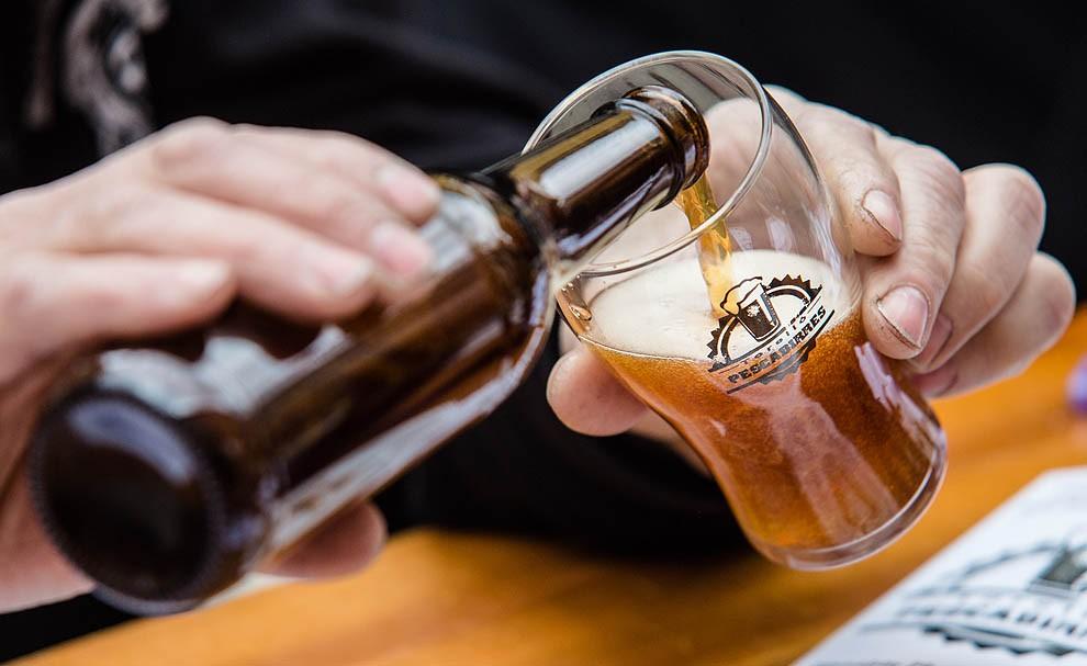 Omplen un got amb cervesa