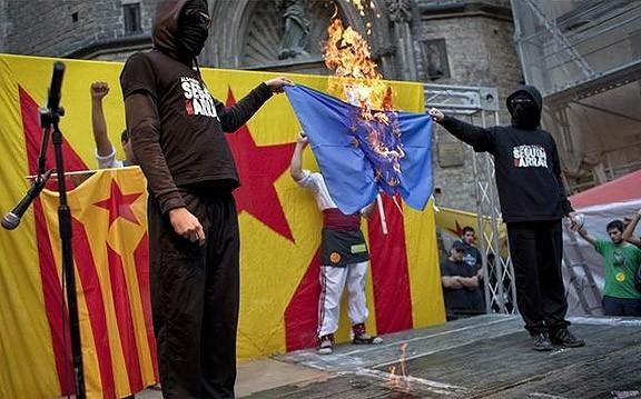 Un any de presó per als dos bastoners de Gràcia per enaltir ETA