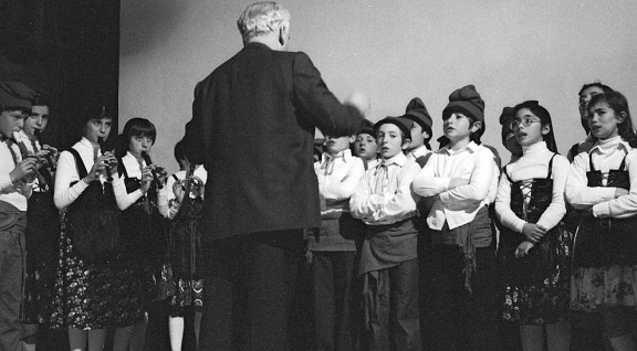 Cantada de caramelles a Sant Julià de Vilatorta, ara fa més de 30 anys