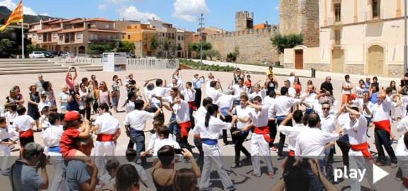 200 bastoners pels 50 anys del Ball de Bastons de Montblanc