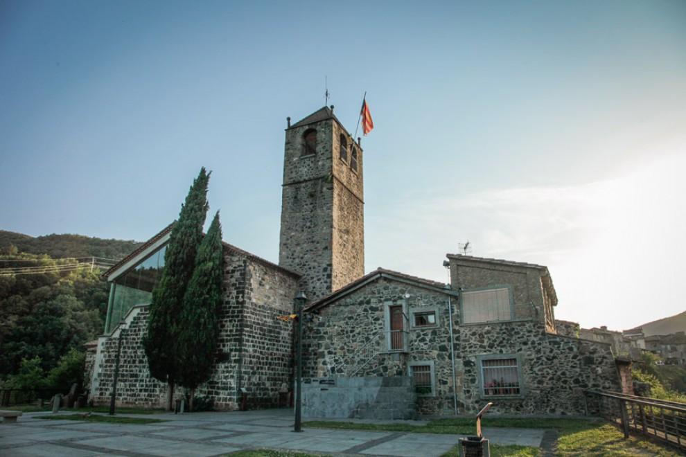 Església vella de Castellfollit de la Roca.