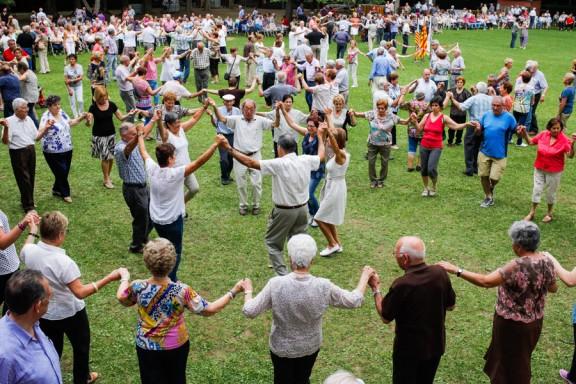 Olot celebra el 53è Aplec de la Sardana