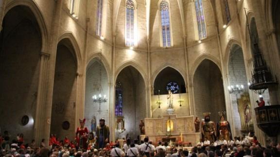 La Convidada dels Veguers omple Santa Maria amb els Gegants de Valls