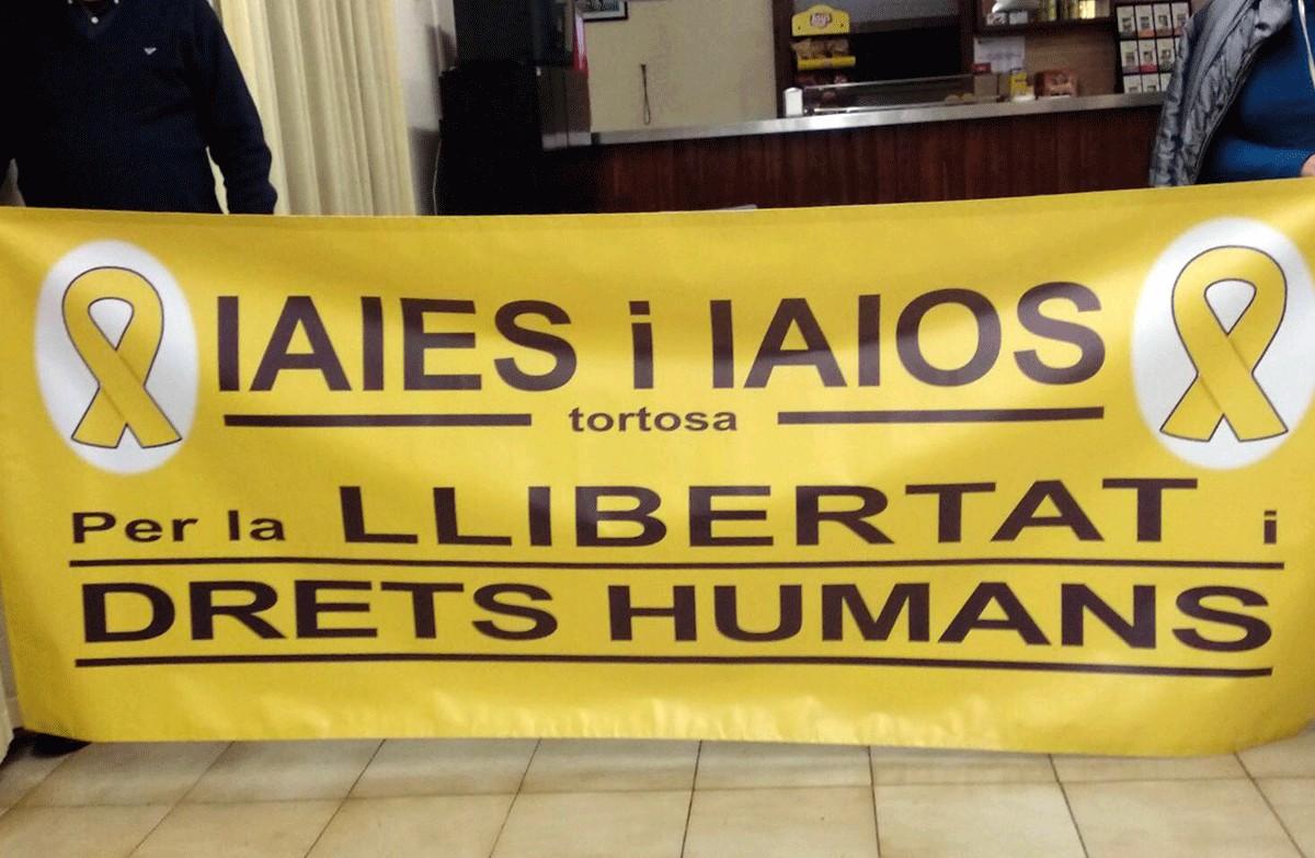Iaies i Iaios de Tortosa comencen este dilluns mobilitzacions setmanals per  la llibertat dels presos polítics i els exiliats | Aguaita.cat