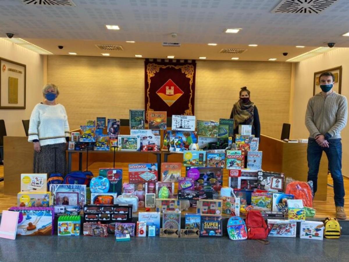 Valldoreix aconsegueix recollir 120 joguines en la iniciativa solidària de la Milla