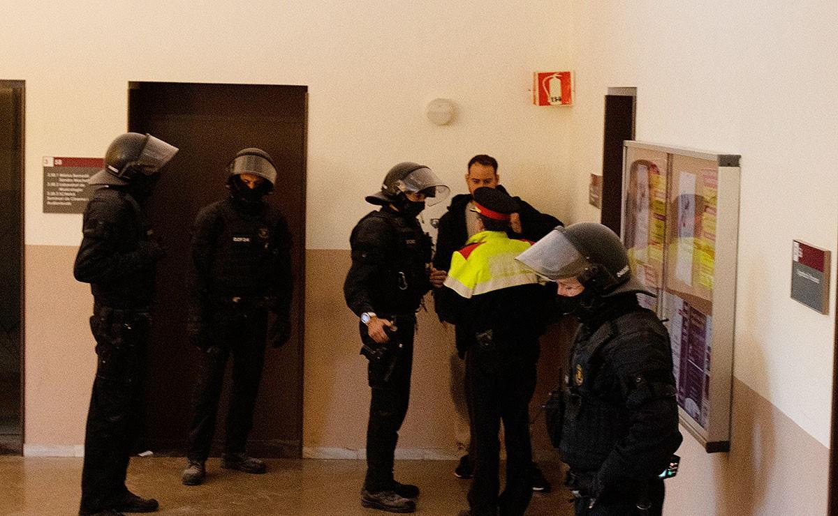 Convoquen manifestacions arreu de Catalunya contra l'empresonament de Pablo Hasél